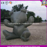 Anunciando desenhos animados infláveis do urso para a decoração