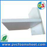 PVC住宅建築の泡のボードか外国為替シート。 白いPVCシート(0.35-0.8g/cm3からの密度)