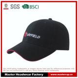 Schwarze Baumwollbaseballmütze mit roter Zwischenlage