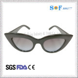 Fox Eye Shaped Frames Sunglasses für Women Sunglasses