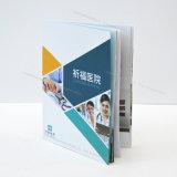 Профессиональная бумажная книга, подгонянные размеры и конструкции будут книгой Acceptedprofessional бумажной, подгонянными размерами и конструкции приняты