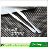 Couteau de bifteck dentelé populaire d'acier inoxydable de nouvelle conception de la Chine