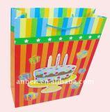 I sacchi di carta di lusso per la vendita al dettaglio ed il regalo insacca con molti formati e progetta FM Dongguan Manufactuere