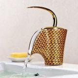 Golpecito de cobre amarillo montado cubierta clásica del lavabo del estilo (ICD-A010)