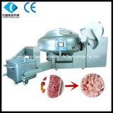 Maquinaria industrial do processamento de carne da salsicha