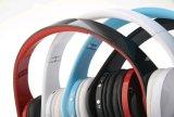 Les meilleurs écouteurs sans fil de vente de Bluetooth avec l'enduit en caoutchouc