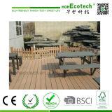 Suelo fácil compuesto plástico de madera de mirada natural del jardín de la alta calidad
