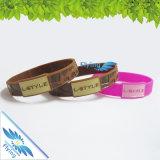 Bracelet de silicones de couleur estampé par coutume pour l'événement