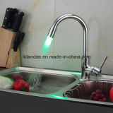 Zeitgenössisches Brass Single Handle Kitchen Faucet mit Color Changing LED