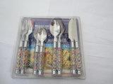 Het Bestek van het Diner van het roestvrij staal dat met Kleurrijk Plastic Handvat Nr wordt geplaatst. P04