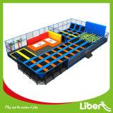 Lit d'intérieur fait sur commande gymnastique de trempoline de saut libre d'enfant en bas âge Springless carré de supermarché