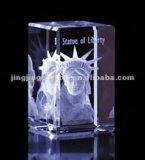 Cubo dell'incisione del laser del cristallo 3D per il regalo o il ricordo