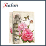 ピサによって印刷される買物をするギフトの紙袋の斜塔