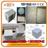 壁パネルの機械装置か機械を作るポリスチレンの微粒のコンクリートの壁の平板