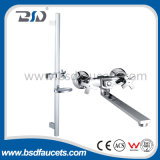 Chromed en laiton Wall Mounted Bath Shower Faucets avec Sliding Bar