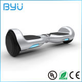 小型2つの車輪の自己バランスをとるモーター電気スケートボードのスクーター
