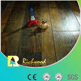 Geriebener V-Grooved lamellenförmig angeordneter Bodenbelag der Werbungs-12.3mm HDF AC4 Hand