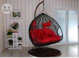 2017新しい寝室の藤の柳細工の杖の二重シートが付いている立場が付いているハングの卵の振動椅子