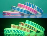 Silicone su ordinazione Wristbands con Glowing Dark