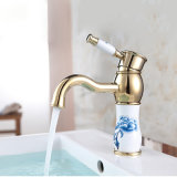 Classico scegliere il rubinetto placcato dorato della stanza da bagno della valvola di ceramica della maniglia