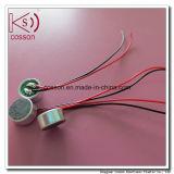 Microfono di condensatore collegato tenuto in mano per il PC del ridurre in pani e del telefono mobile