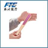 Il controllo della mano piega in su i ventilatori per raffreddamento