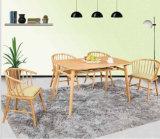 Nordischer Art-weiße Eichen-hölzerner Speisetisch und Stühle