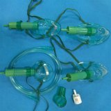 Masque à oxygène médical avec le diluant (vert, pédiatriques avec la tuyauterie)