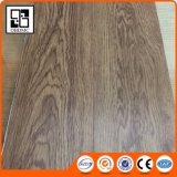 Plancher en bois de luxe de PVC de modèle d'étage