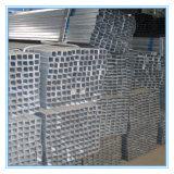 con la estructura de tubo de acero rectangular