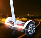 Im Freien stehender Roller mit LED