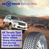 O pneu do PCR do caminhão leve todo o carro de passageiro do terreno monta pneus 245/75r16