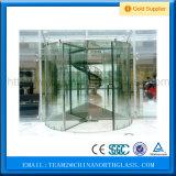 Porta de vidro revolvendo desobstruída