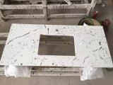 Сляб камня кварца цвета Carrara белый