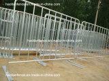 Barreras galvanizadas sumergidas calientes del control de muchedumbre con los pies fijos
