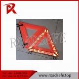 Дорожный знак высокого отражательного красного автомобиля треугольника предупреждающий