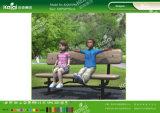 O jogo de crianças de Kaiqi ajusta tabelas dos bancos para o parque de diversões, jardim de infância, escola