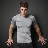 Amincir les T-shirts des hommes courants d'ajustement