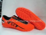 販売のための薄赤のフットボールの人のサッカーの靴