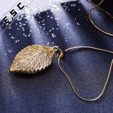 Nuevo collar del regalo de la hoja de oro del diseño mejor para la muchacha