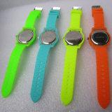 Caso plástico y relojes múltiples impermeables de la suposición del color del movimiento suizo de la correa