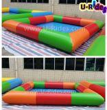 Piscina inflável colorida para o parque ou o quintal da água