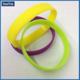 Bracelete barato do silicone do OEM Debossed do Wristband do silicone das faixas de pulso do estilo