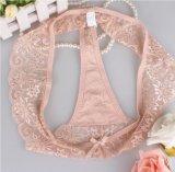 La ropa interior atractiva de la buena calidad considera a través la ropa interior transparente con las bragas de T