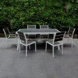 アルミニウム屋外の家具2017のアルミニウム現代椅子表のビストロセットを食事する余暇の庭