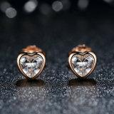 명확한 CZ와 가진 925의 순은 여성 정밀한 보석 사랑 심혼 장식 못 귀걸이