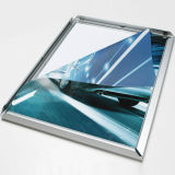 Bâti en aluminium argenté annonçant l'étalage mince de cadre léger de DEL