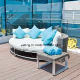 Sofà esterno di vimini della mobilia del PE di prezzi competitivi impostato usando per il giardino & l'hotel