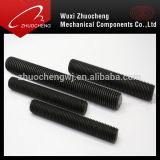 重く黒いテフロン完全な糸ASTM A193 B7のボルト