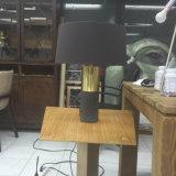 Tabela de cabeceira/lâmpada de mesa concretas de bronze antigas decorativas, iluminação do diodo emissor de luz do hotel